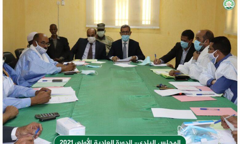 صورة المجلس البلدي لبلدية عرفات يصادق على مداولات من بينها المخطط التنموي والخطة السنوية